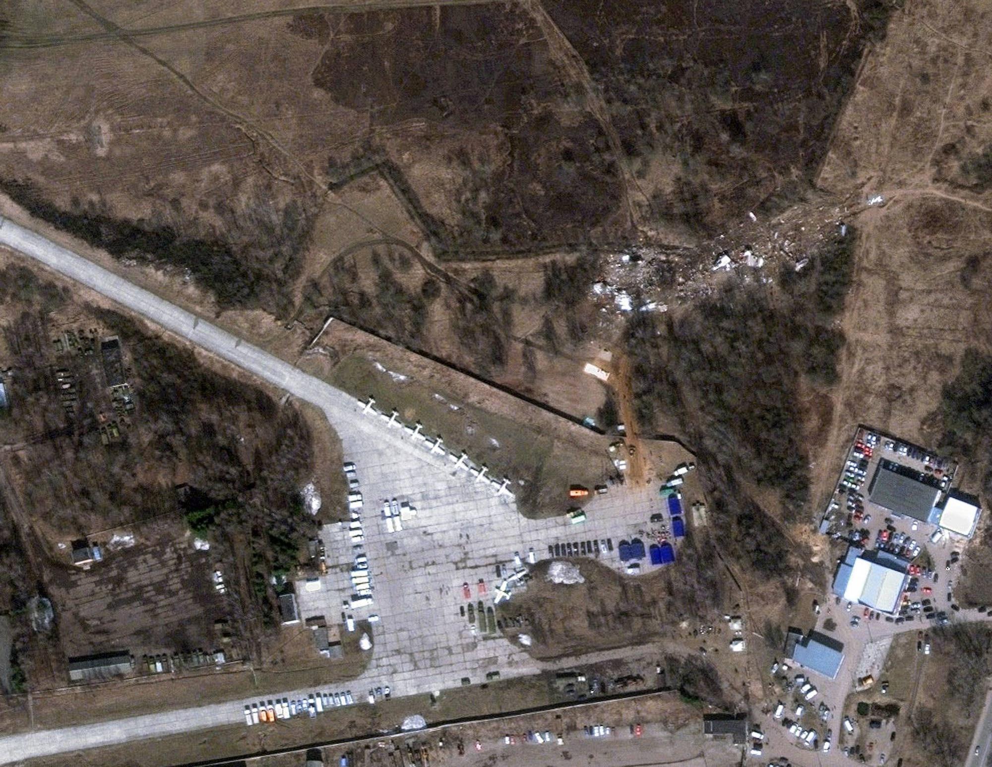 Фото с места авиакатастрофы 2 апреля 2
